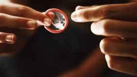 Así es el condón molecular que revolucionará los anticonceptivos