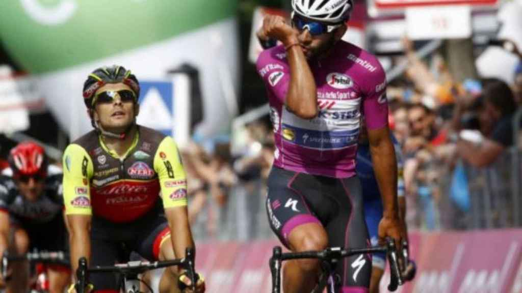 Fernando Gaviria gana su cuarta etapa en el Giro.