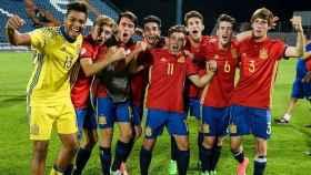 Los jugadores de la selección celebran su victoria sobre Inglaterra.