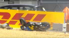 La moto de Miller después de dar varias vueltas de campana.
