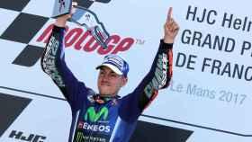 Maverick Viñales celebra su triunfo en Le Mans el pasado fin de semana.