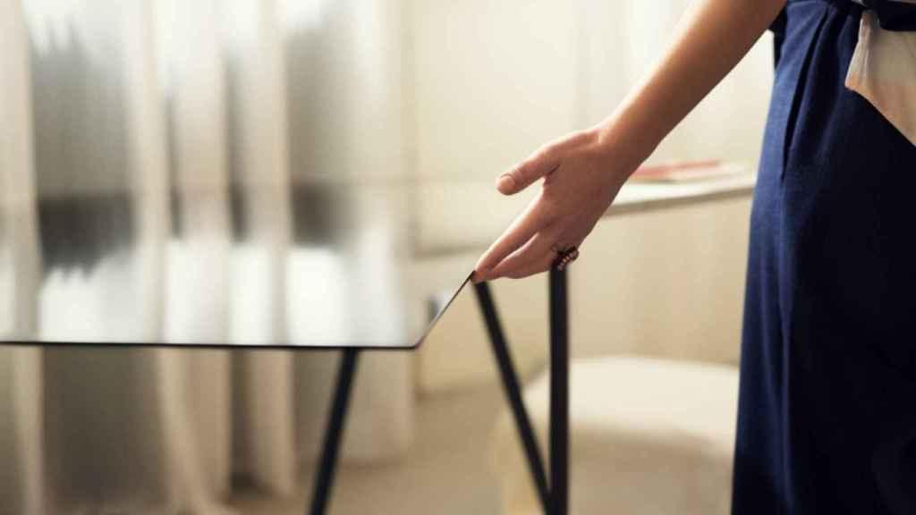 El diseño del LG W7, más fino que un smartphone, lo hace único.