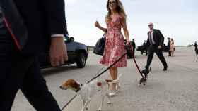 Laura Trump, con sus perros Ben y Charlie