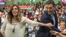 Díaz y Sánchez en un acto del PSOE en Sevilla.