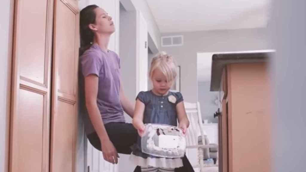 Un momento del corto en el que la madre no puede más