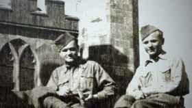 Jozef Gabčík y Jan Kubiš en el castillo de Cholmondeley, en el Reino Unido.