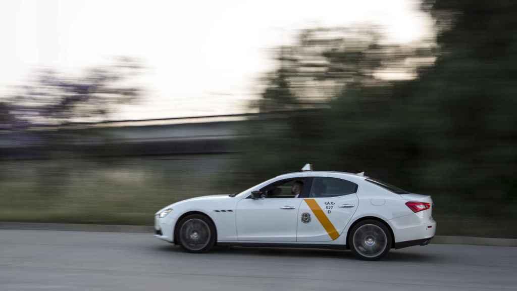Dice que desde que conduce su Maserati por las calles de Sevilla es feliz.