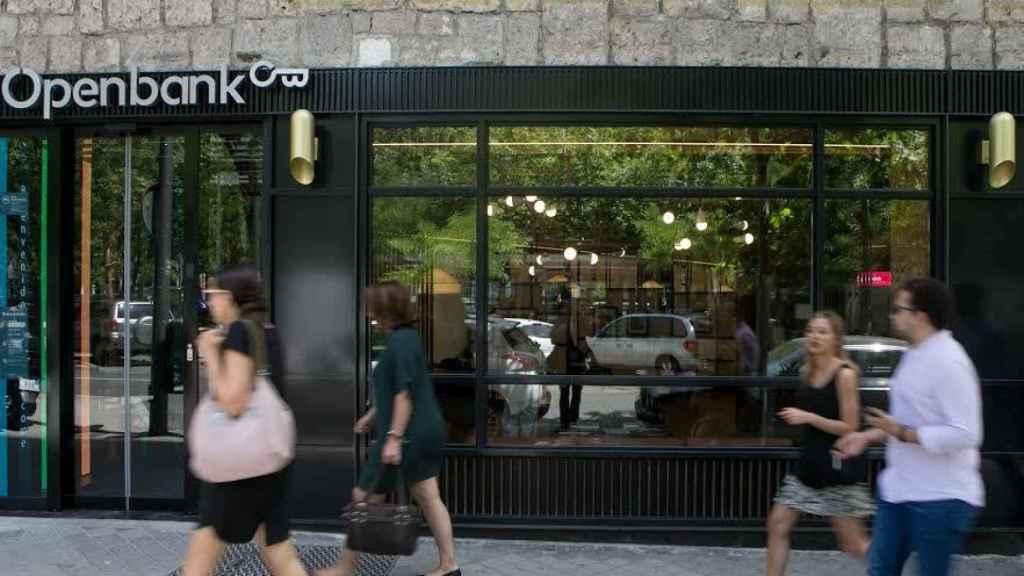 Openbank ultima su nueva oficina en el paseo de la Castellana de Madrid.