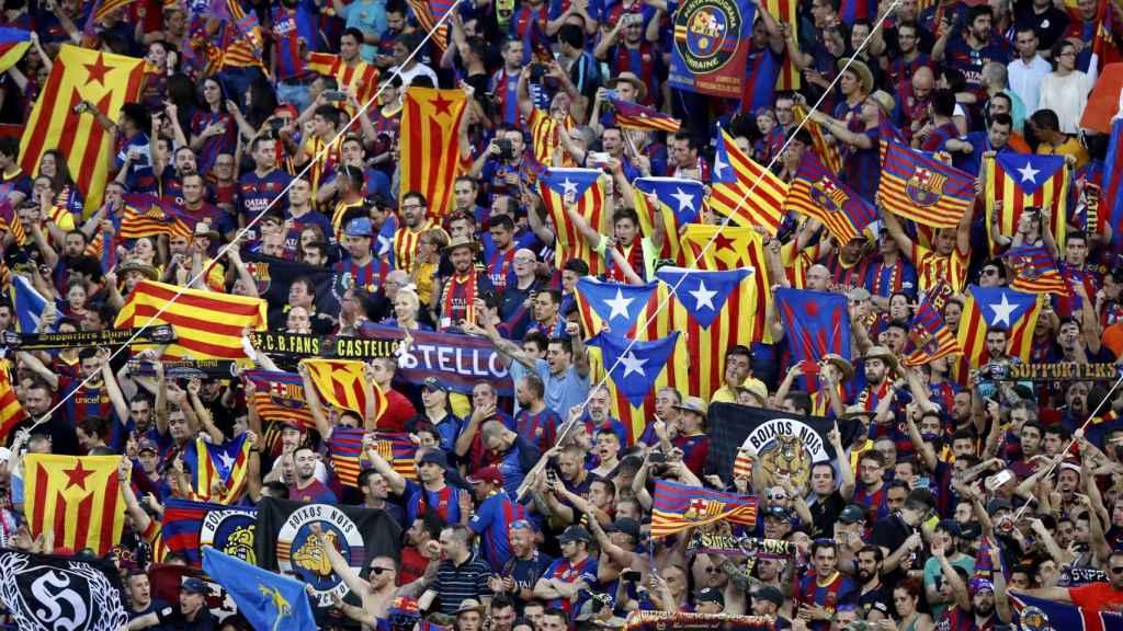 Aficionado del Barcelona en la grada del Calderón durante la final de Copa.