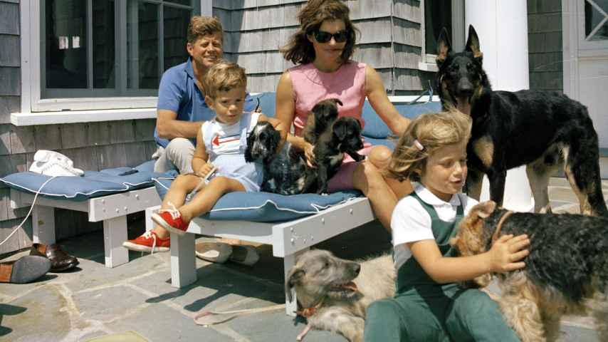 J. F. Kennedy y su familia.