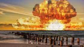 La explosión de una bomba nuclear tiene forma de hongo.