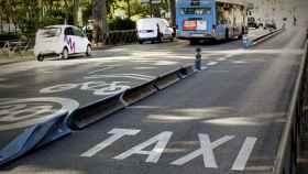 Carril taxi vacío