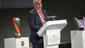 Alejandro Blanco en la última asamblea de la Federación de Fútbol.