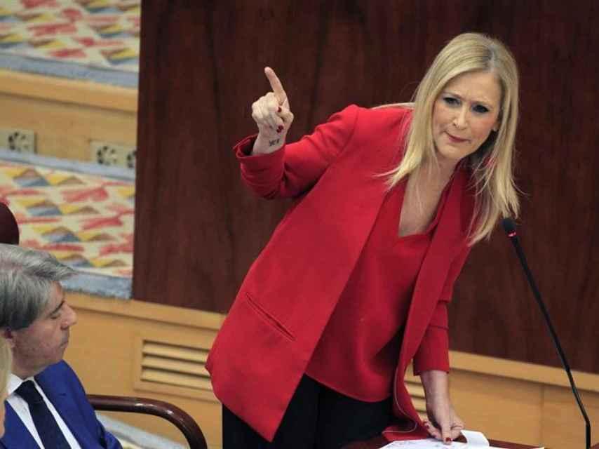 Cifuentes, durante la sesión de control en la Asamblea de Madrid.