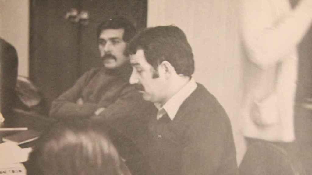 Fernández Villa, en primer plano; al fondo, Belarmino García Noval.