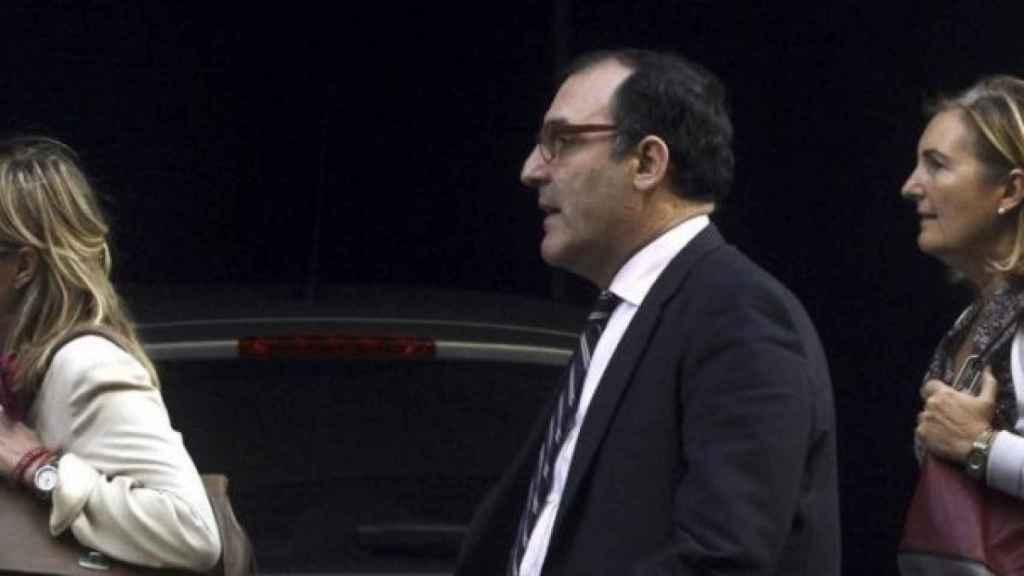 El juez de la Audiencia Nacional Eloy Velasco junto a las fiscales del caso Púnica.
