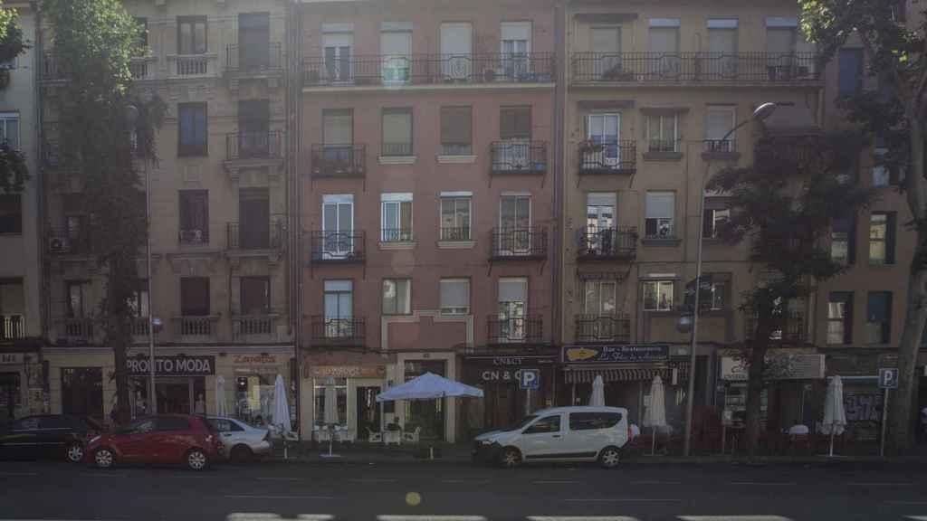 El 127 y el 133 del Paseo de las Delicias de Madrid son edificios que están ocupados en su totalidad por burdeles