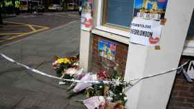 Flores y mensajes de ánimo en Borough Market.