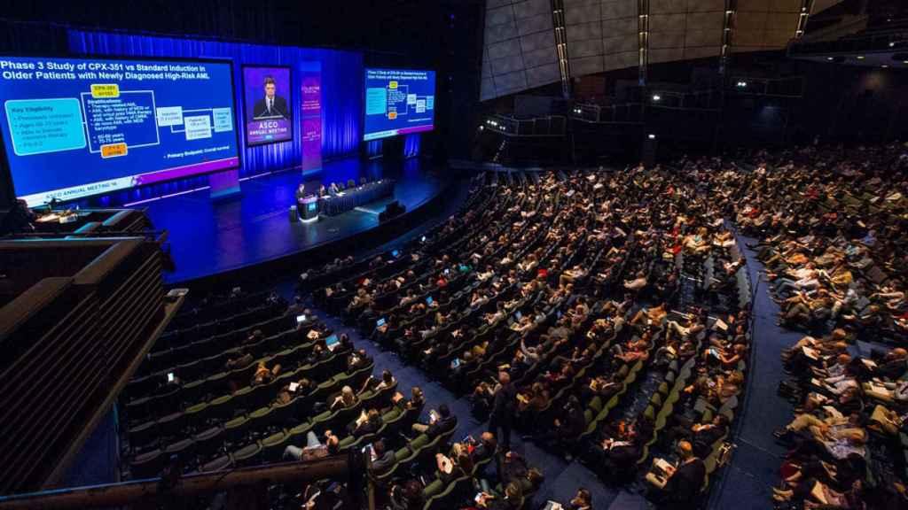 Una sesión en el auditorio principal del congreso de ASCO. Nadie hace pellas.