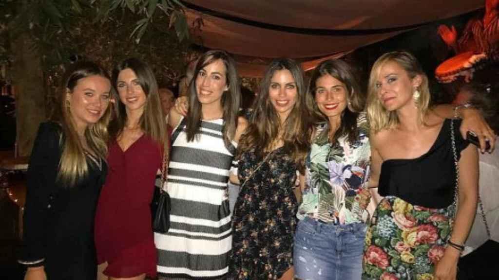 Las once amigas en una de sus salidas nocturnas.