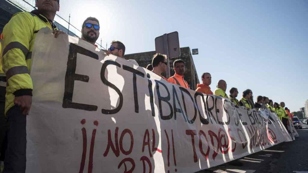 Protesta de estibadores en el Puerto de Bilbao.