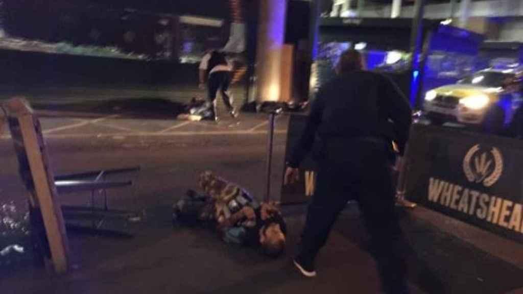 Uno de los terroristas, abatido por la policía británica.