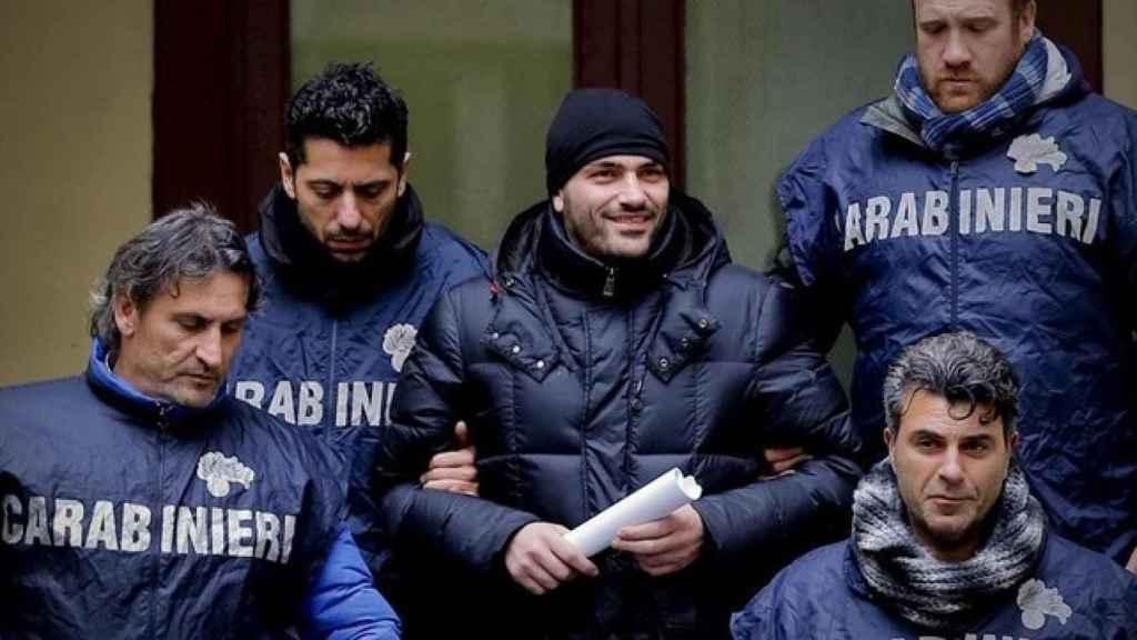 El supuesto jefe de la Camorra Alessandro Giannelli, tras ser arrestado en febrero de 2016