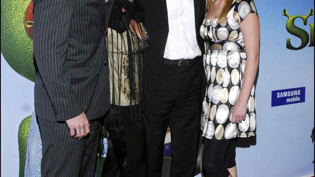 Michael Robinson junto a su mujer y sus dos hijos, en 2007.