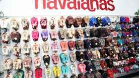 Así es el aspecto de las tiendas tradicionales de Havaianas. | Foto: Getty Images.