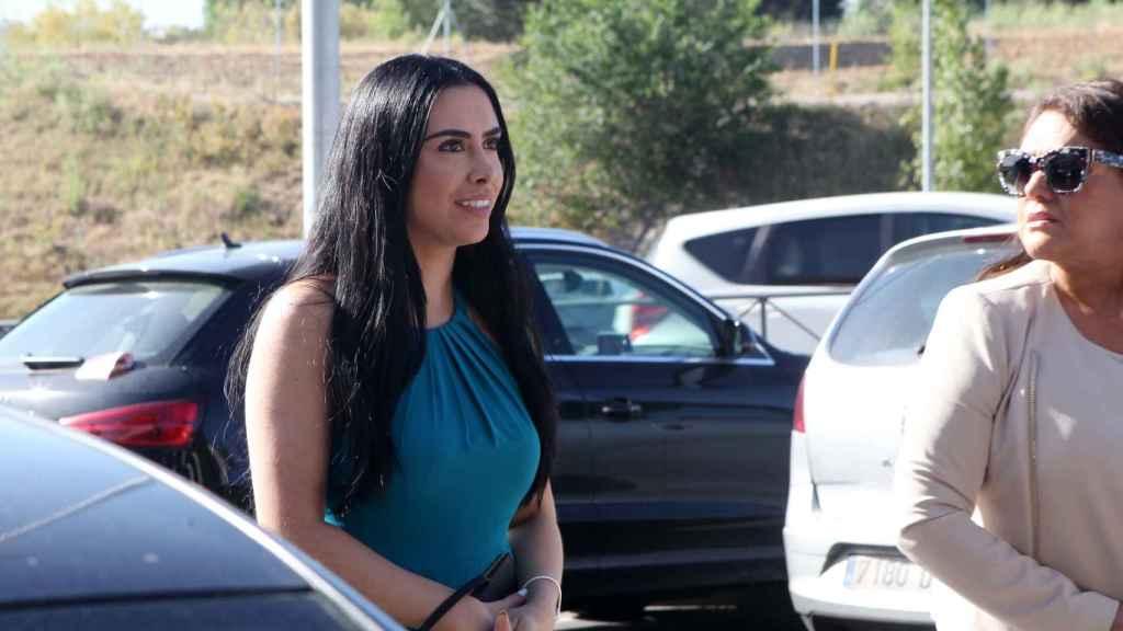 Adela Montes de Oca llega a Pozuelo de Alarcón para reclamar la paternidad de José María Ruiz-Mateos