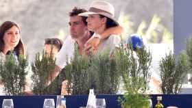 Sergio Álvarez con su novia, la alemana Nina Ulenberg.