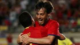 Silva celebra el primer gol.