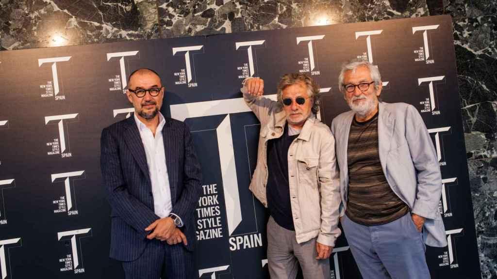 A la derecha, su editor Andrés Rodríguez junto a los invitados. | Foto: Spainmedia.
