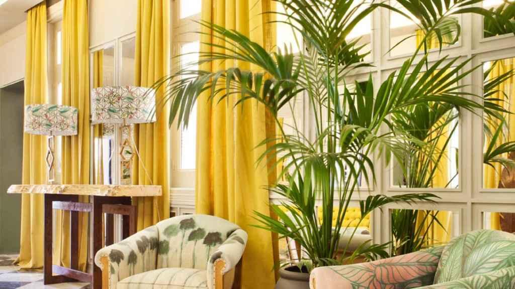 Lobby-bar de Santayana Home en amarillo limón. | Foto: Casa Decor.