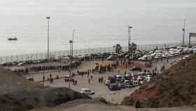 Colas en el paso fronterizo de Ceuta mientras estuvo cerrado el puesto fronterizo de Tarajal II en mayo.