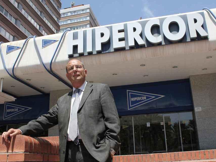 Pedro Ortega accedió a Hipercor por esta puerta, la principal.