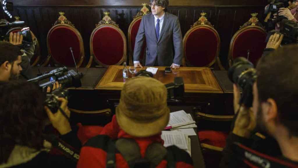 Carles Puigdemont en el Ayuntamiento de Girona.