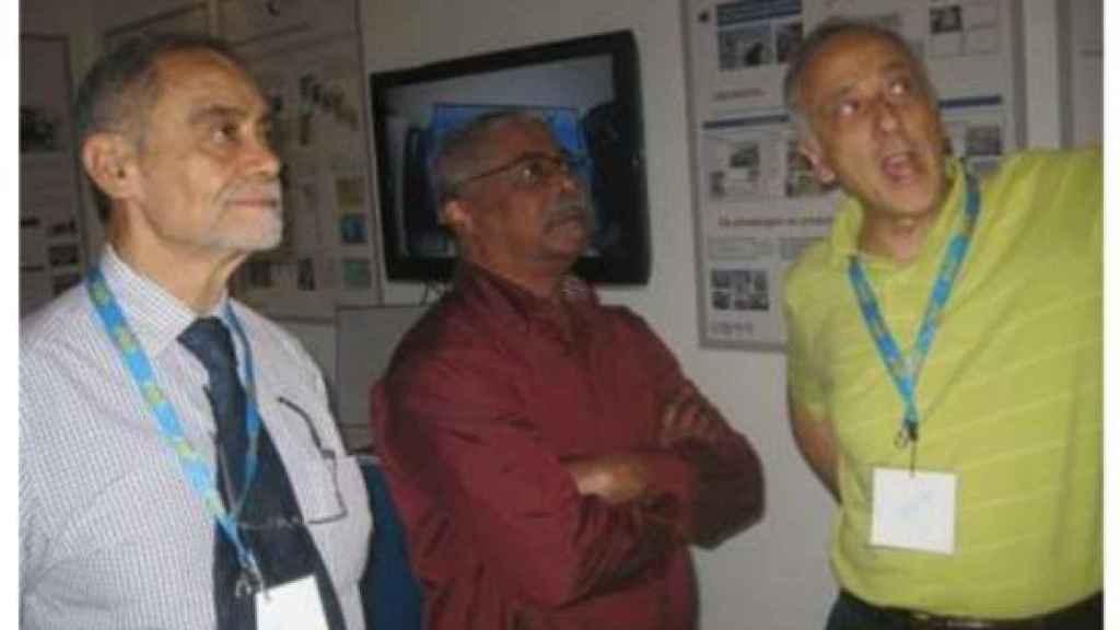 Guilherme Taveira (primero a la izquierda) en la Feria de Luanda en 2013.