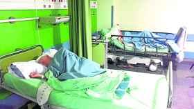 Los dos ancianos que viven desde hace seis meses en Urgencias han compartido habitación con otras diez personas