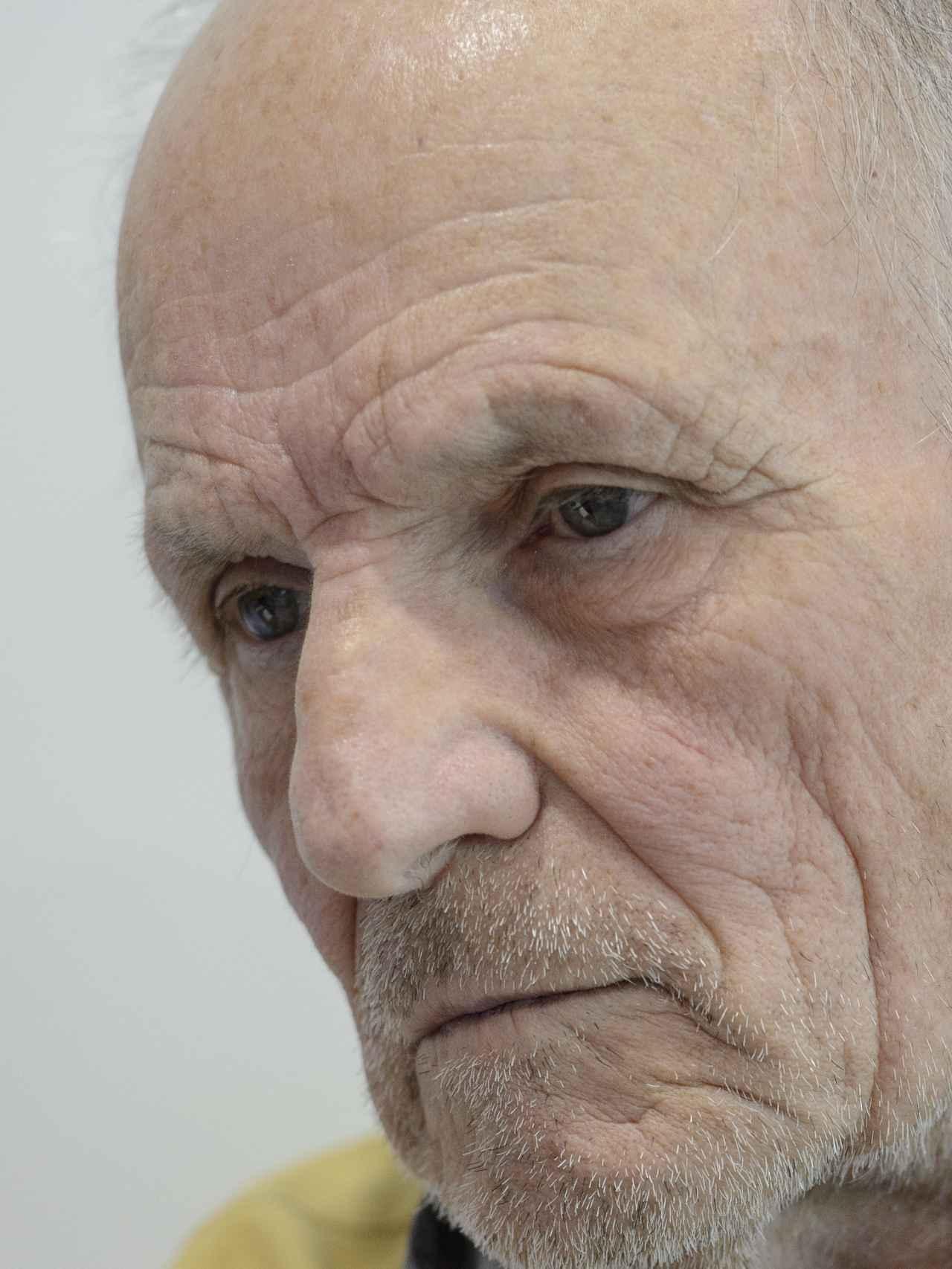 López nació el 6 de enero de 1936 en Tomelloso.