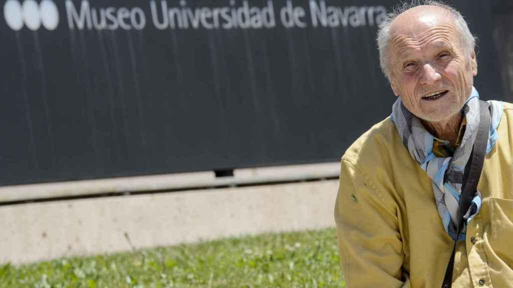 Antonio López, a las puertas del museo de la Universidad de Navarra.