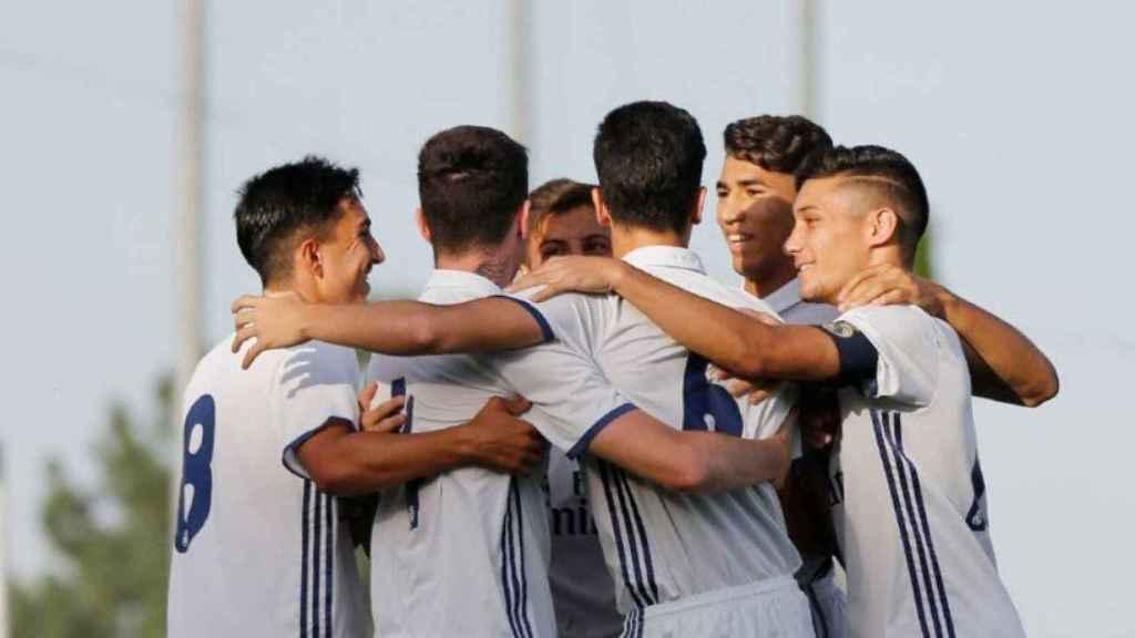 Juvenil A celebrando la victoria frente al Villarreal
