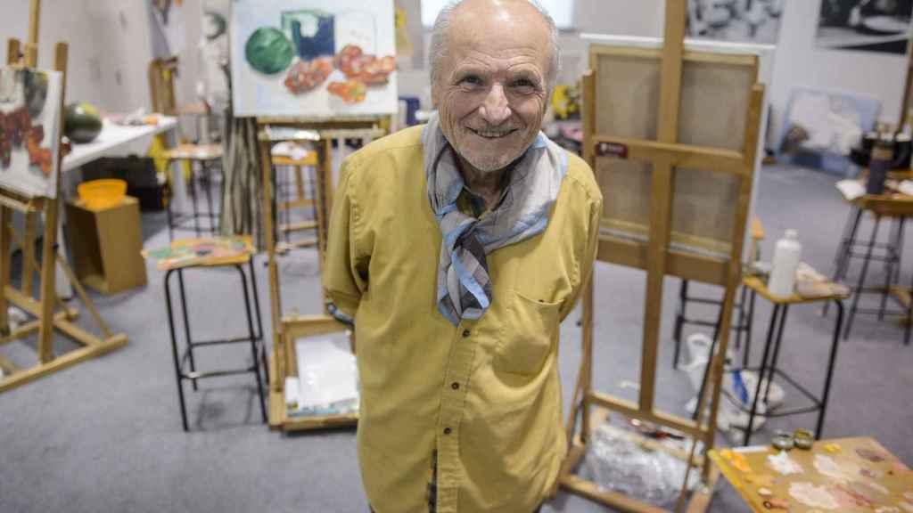 Antonio López, durante la entrevista en el museo de la Universidad de Navarra.