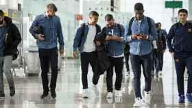 Los jugadores del Barça enganchados al hilo musical.