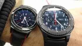 Samsung patenta una funda inalámbrica para cargar el smartwatch con el móvil