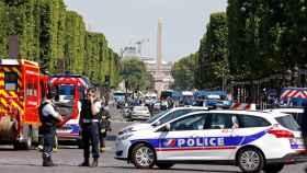 Despliegue policial en los Campos Elíseos