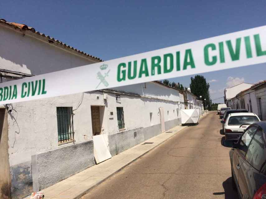 El suceso ocurrió en la calle Ciudad de Madrigalejo, en las afueras del municipio.
