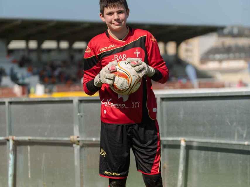 Carla Moolenaar tiene doce años y juega al fútbol desde hace años; la próxima temporada se va al Sporting de Gijón.