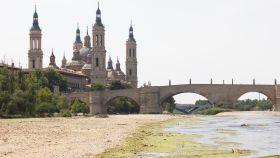 El río Ebro bajo la basílica del Pilar