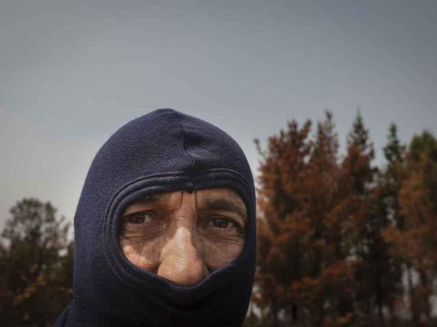 En ocasiones, Sebas utiliza una braga ignífuga que le ayuda a soportar las temperaturas y que le protege del humo.